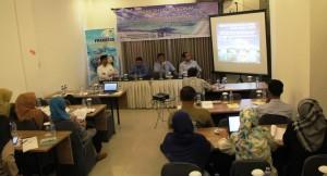MEMBANGUN INDONESIA DARI PINGGIR MELALUI PENYEDIAAN INFRASTRUKTUR PULAU-PULAU KECIL