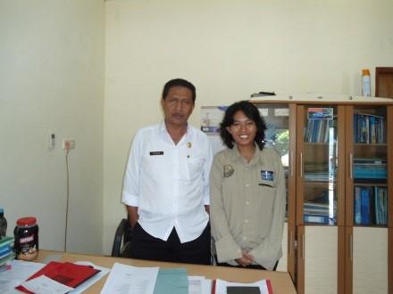 Jeszy bersama Kadis DKP Alor, Bapak Rahmin Amahala (foto: Istimewa)