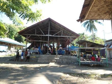 Pasar di Desa Langkuru (foto: Jeszy Patiri)