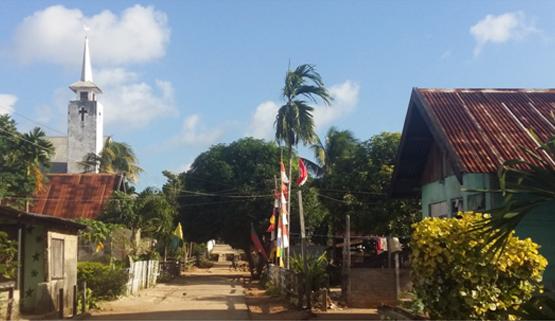 Suasana Desa Latdalam (foto: Kamaruddin Azis)