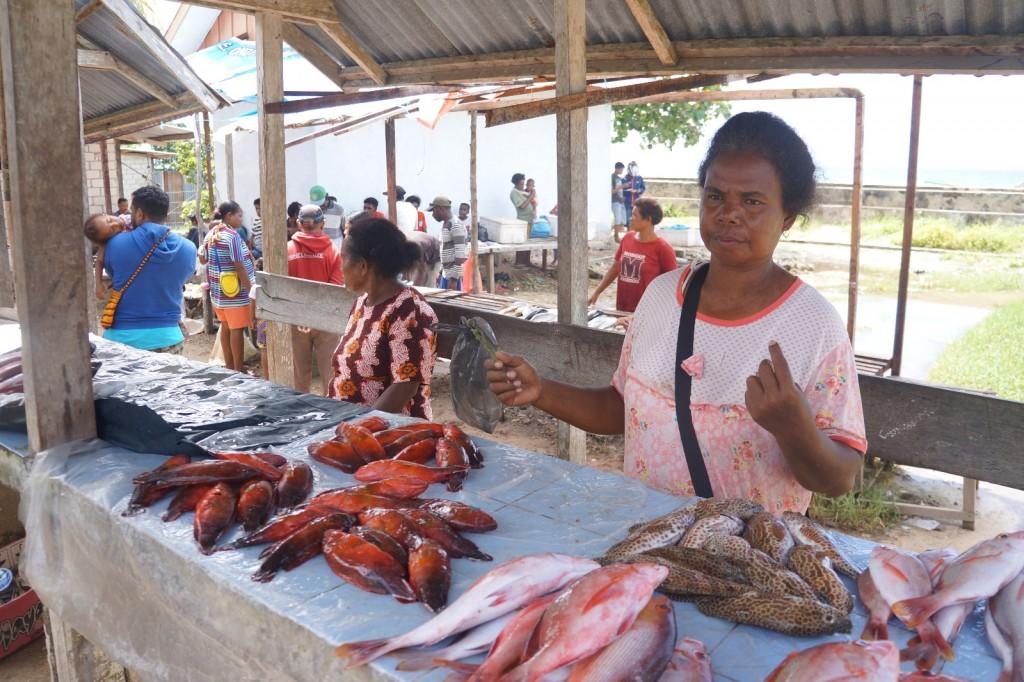 Suasana Pasar Ikan Bosnik