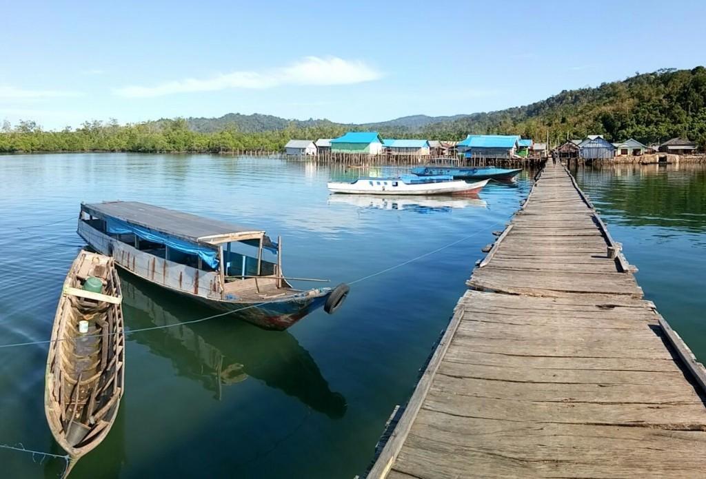 Kondisi lingkungan dan panorama alam Teluk Kolono, Konawe Selatan (DFW-Indonesia)