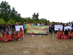 DFW Indonesia dan BPSPL Makassar Peringati Hari Bumi dengan Libatkan Siswa Sekolah Menanam Mangrove
