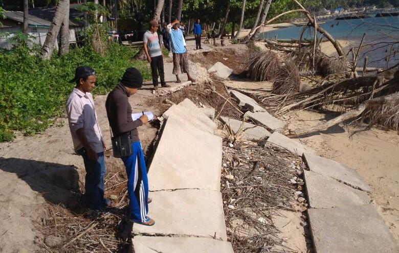 Abrasi pantai di Desa Batu Jaya, Kecamatan Laonti, Konawe Selatan